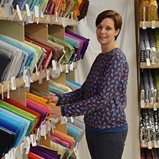 Tina, kreative Stoffladenbesitzerin