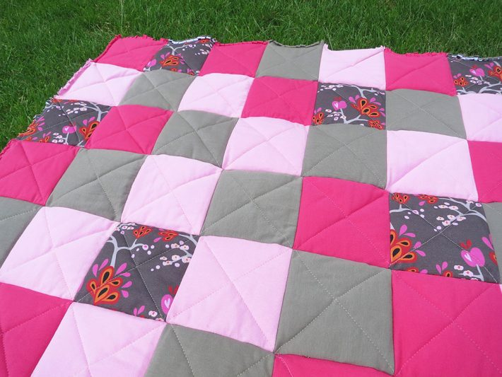 Eve's apple Raq Quilt